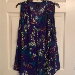 Sleeveless, silk button down women's dress shirt